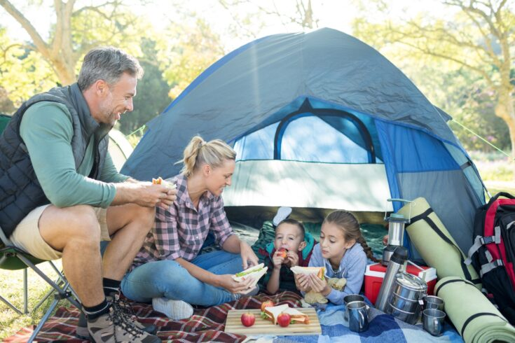Camping is a lot of fun, but it can also be dangerous. Discover family camping essentials to have the best (and safe) time with your kids here.